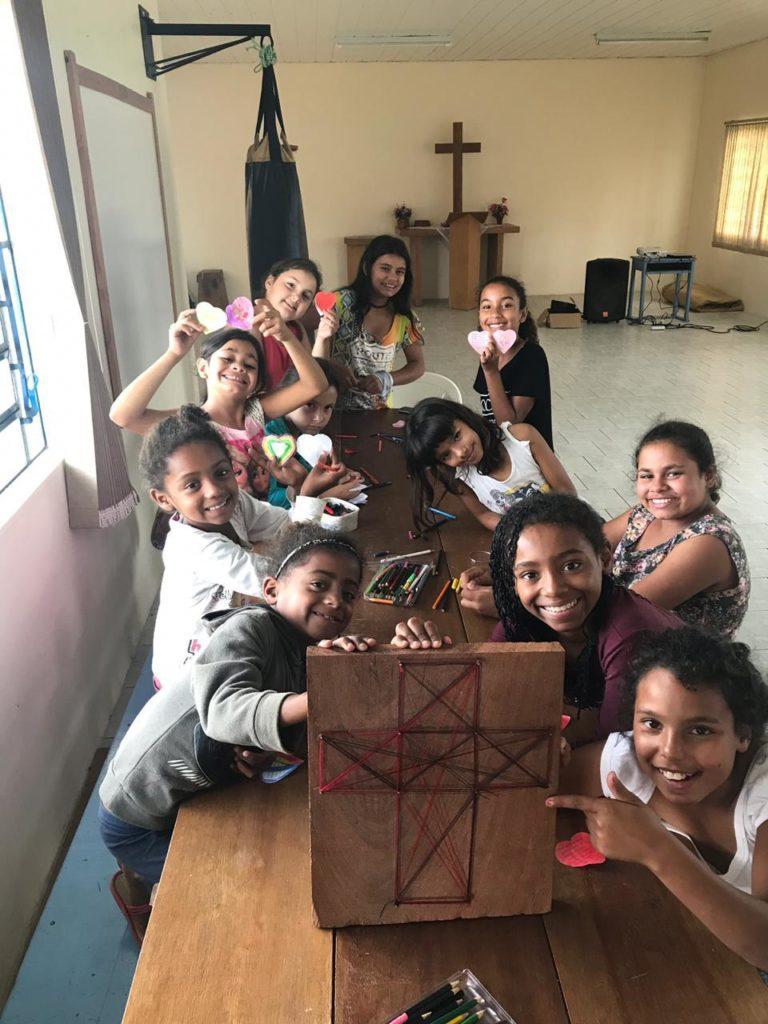 Glade barn på søndagsskole