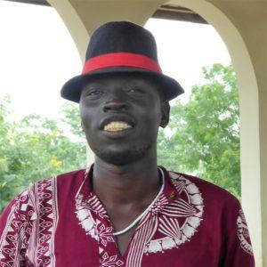 Ung Anwak mann med hatt