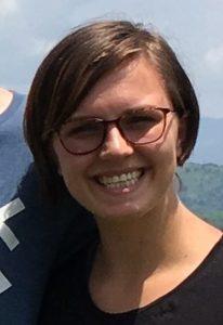 bildet viser ei ung kvinne