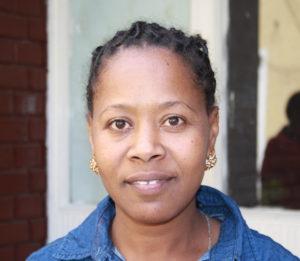 Ung kvinnelig teologi student fra Mendi