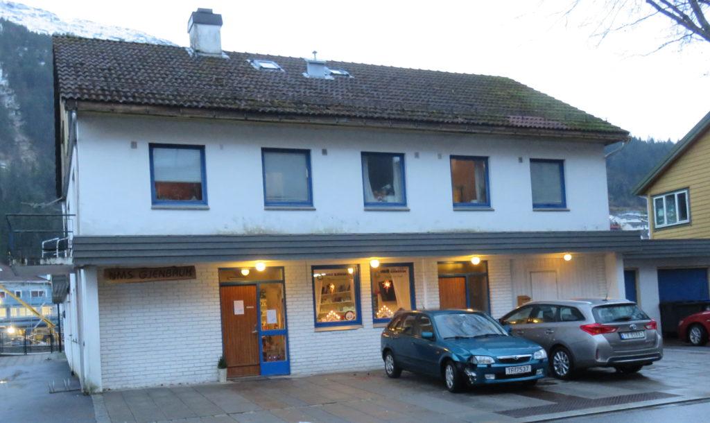 NMS Gjenbruk Førde fasade