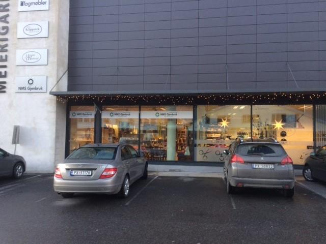 NMS Gjenbruk Lyngdal fasade
