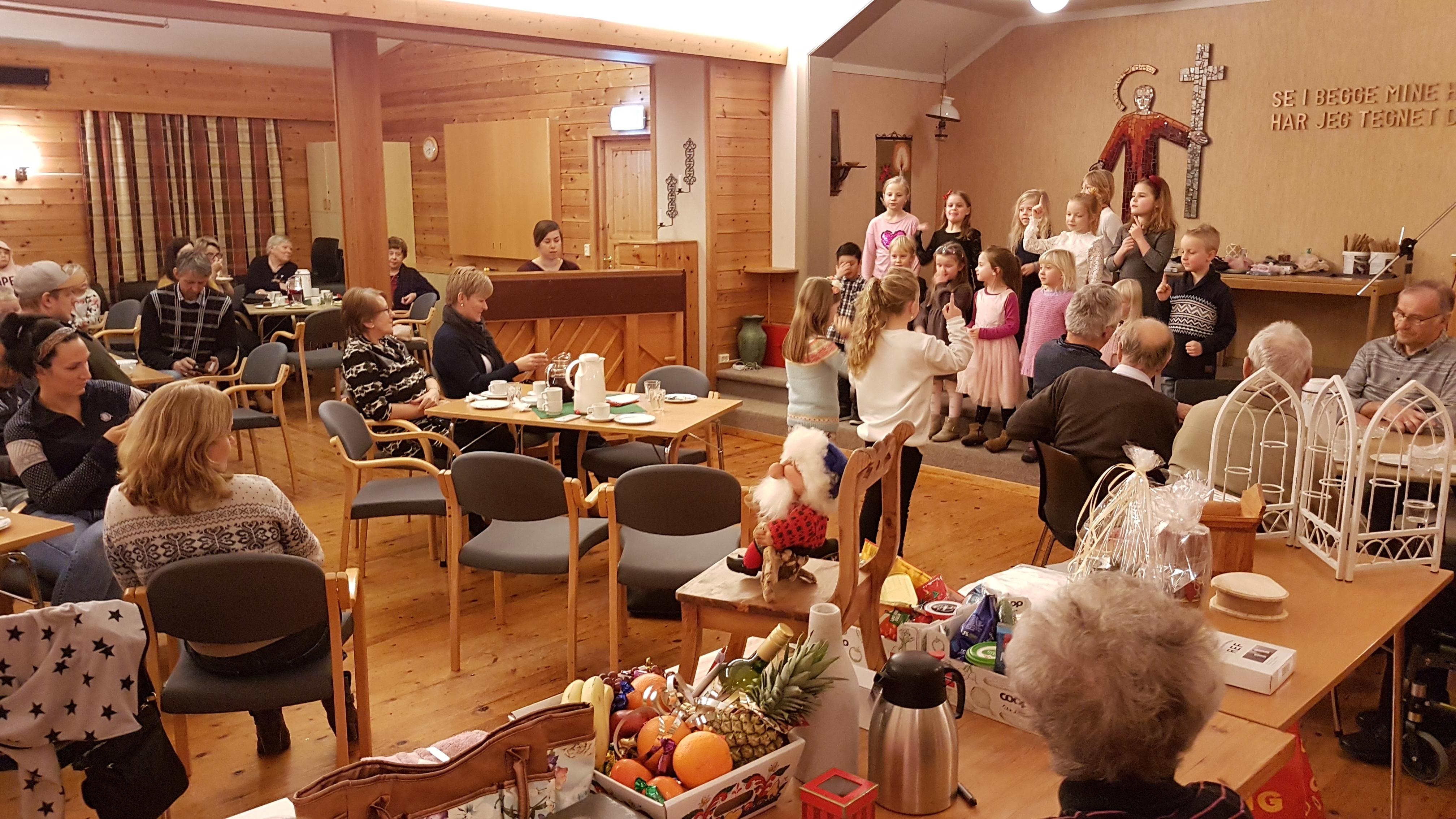 Rindal misjonsforening holder en lang tradisjon ved like, ved å arrangere kyndelsmessebasar