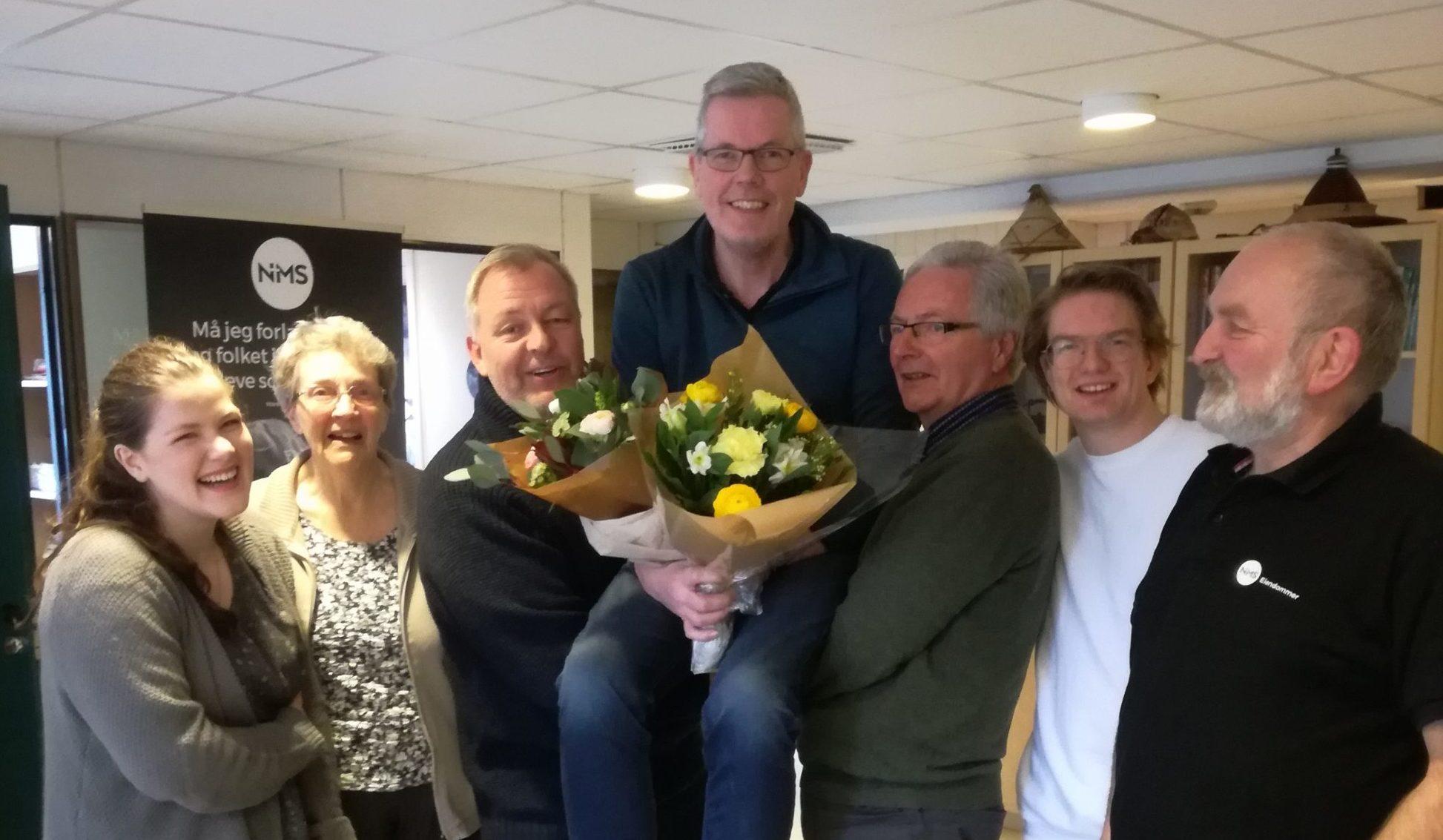Takk til Gunnar! F.v Margrete Piscoya Hodne, Inger Johanne Christoffersen, Øyvind Ulland Eriksen, Gunnar Eskelund, Birger Foseide, Emil Buxrud og Ola Syrstadeng.